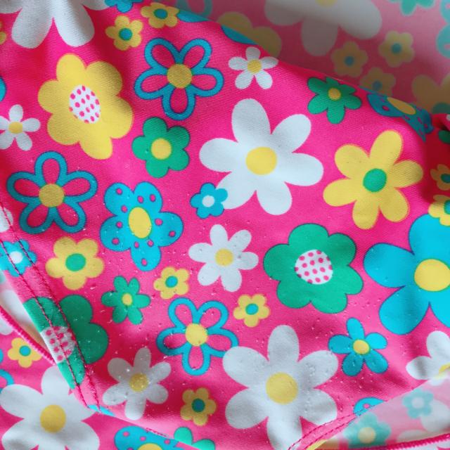 Orange bonbon(オレンジボンボン)の🌸オレンジボンボン🌸女の子 水着🌸90㎝ キッズ/ベビー/マタニティのキッズ服女の子用(90cm~)(水着)の商品写真