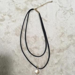 エイチアンドエム(H&M)のスエード2連ネックレス(ネックレス)