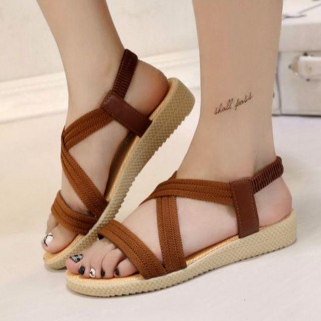 夏のレデイースファッションサンダル通気 レディースの靴/シューズ(サンダル)の商品写真