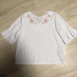 ローリーズファーム(LOWRYS FARM)の⌘花刺繍 ホワイト(シャツ/ブラウス(半袖/袖なし))