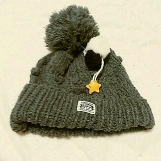 ラフ(rough)のスターとポンポン付きニット帽(ニット帽/ビーニー)