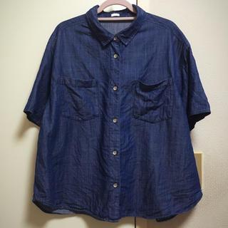 ジーユー(GU)のデニム風BIGシルエットシャツ(シャツ/ブラウス(半袖/袖なし))