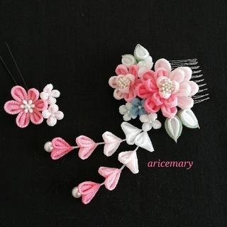 ピンクのつまみ細工髪飾り(ヘアアクセサリー)