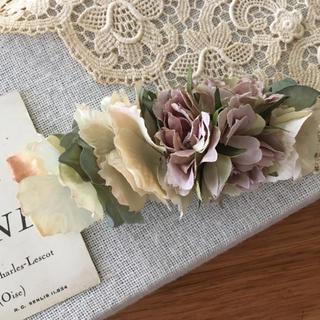 モーブバラとアンティークホワイト、ブルーグリーン紫陽花のバレッタ(ヘアアクセサリー)