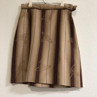 ヴィヴィアンウエストウッド(Vivienne Westwood)のオーブ柄スカート ヴィヴィアン イギリス製(ひざ丈スカート)
