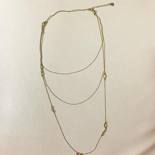 エイチアンドエム(H&M)のH&M エイチアンドエム 金 ゴールド 細身 三連 ネックレス(ネックレス)