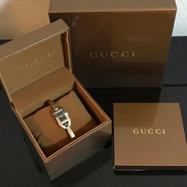Gucci - 正規品 GUCCI バングルウォッチ レディース クォーツ 6800L 黒文字盤の通販 by    mamepome|グッチならラクマ