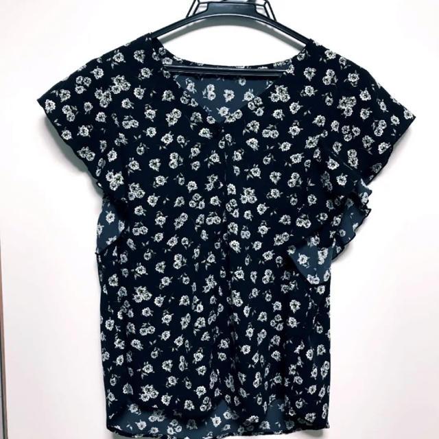 GU(ジーユー)のフラワープリントフリル スリーブブラウス シャツ 小花柄 チュニック トップス レディースのトップス(シャツ/ブラウス(半袖/袖なし))の商品写真