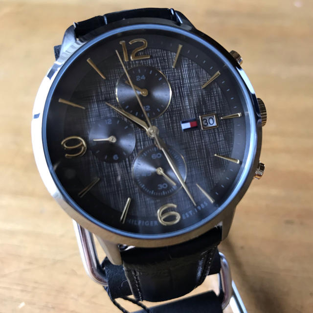 TOMMY HILFIGER - 新品✨トミーヒルフィガー クオーツ メンズ 腕時計 1710357の通販 by てっちゃん(´∀`)|トミーヒルフィガーならラクマ