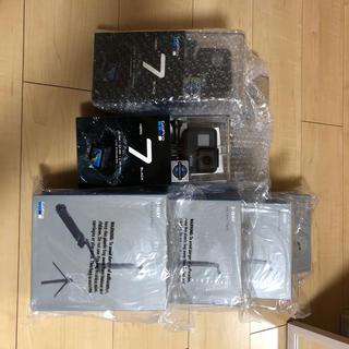 ゴープロ(GoPro)のGoPro Hero7 black 3way 4セット(コンパクトデジタルカメラ)