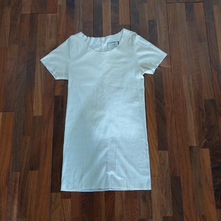 ツムグ(tumugu)の美品tumugu Tシャツクリーム色(Tシャツ(半袖/袖なし))