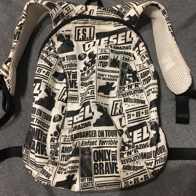 DIESEL(ディーゼル)のdiesel キッズ リュック キッズ/ベビー/マタニティのこども用バッグ(リュックサック)の商品写真