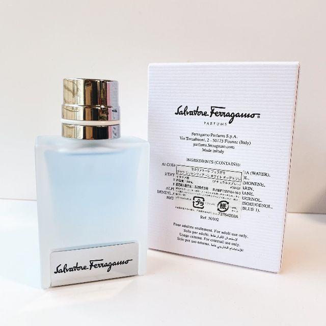 Salvatore Ferragamo(サルヴァトーレフェラガモ)のフェラガモ アクア エッセンツィアーレ ホワイト EDT 30ml コスメ/美容の香水(香水(男性用))の商品写真