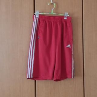 adidas - adidasの赤とシルバーのハーフパンツ