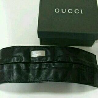 グッチ(Gucci)の新品 新古 グッチ 本革 zip加工 レザー バングル メンズ兼用 イタリア製(バングル/リストバンド)