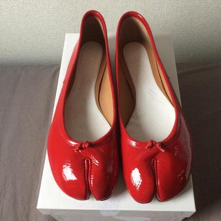 マルタンマルジェラ(Maison Martin Margiela)のまもなく出品終了! マルジェラ 足袋バレエシューズ 40 赤 新品 足袋(バレエシューズ)