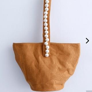 メルロー(merlot)の再値引きしました❗merlot plus  キャンバス地パール付きバッグ(トートバッグ)