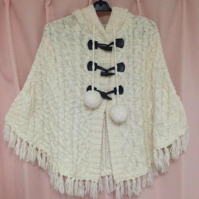 HONEYS(ハニーズ)のハニーズ購入 白 ポンチョ レディースのジャケット/アウター(ポンチョ)の商品写真