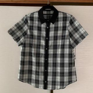 オペーク(OPAQUE)の新品タグ付き☆OPAQUE サラリとしたシフォン風 半袖 黒×白チェックシャツ(シャツ/ブラウス(半袖/袖なし))