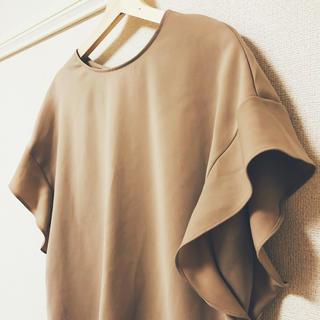 ジーユー(GU)のGU★袖フリルシャツ (シャツ/ブラウス(半袖/袖なし))