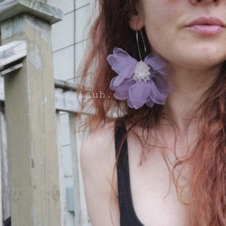 リリーブラウン(Lily Brown)のj186.big femi flower pierce(purple)(ピアス)