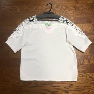 カワイイ(cawaii)のカワイイ 半袖ブラウス ホワイト(シャツ/ブラウス(半袖/袖なし))