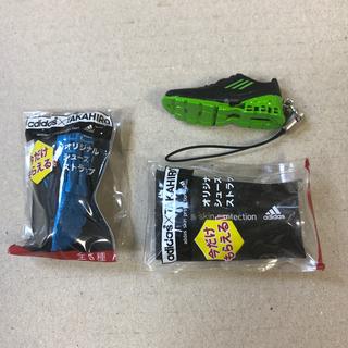 アディダス(adidas)の未使用! adidas×TAKAHIRO オリジナルシューズストラップ 青、緑(ミュージシャン)