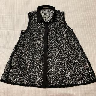 ジーユー(GU)の新品未使用ジーユーノースリーブレースブラウス(シャツ/ブラウス(半袖/袖なし))
