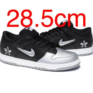 ナイキ(NIKE)の新品 黒 28.5 supreme × Nike sb Dunk Low(スニーカー)