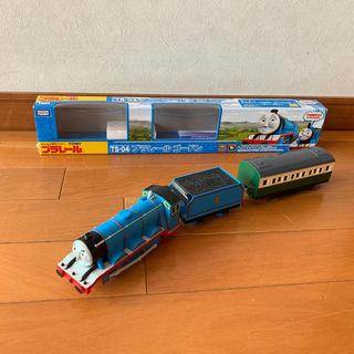 タカラトミー(Takara Tomy)の送料込み プラレール トーマスシリーズ4ゴードン 箱付き子供電車おもちゃ(電車のおもちゃ/車)