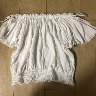 ウィゴー(WEGO)のオフショルダー(シャツ/ブラウス(半袖/袖なし))