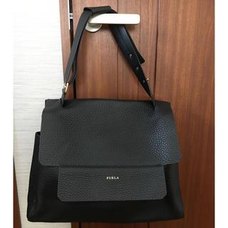 フルラ(Furla)の美品 フルラ   バッグ (大)カプリッチョ  ブラック 黒 ショルダー (ハンドバッグ)