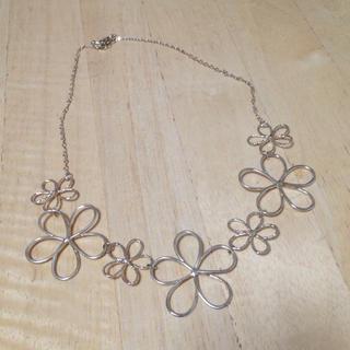 ジエンポリアム(THE EMPORIUM)の花のネックレス(ネックレス)