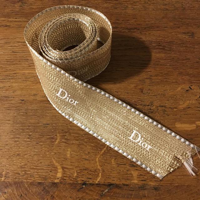Dior(ディオール)のディオール ラメリボン 120cm (3.5cm幅) インテリア/住まい/日用品のオフィス用品(ラッピング/包装)の商品写真
