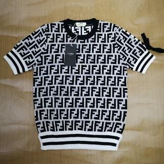 フェンディ(FENDI)のフェンディ セーター 半袖 サーマーセーター ロゴ FENDI (ニット/セーター)