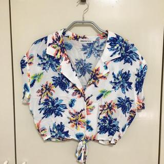 ウィゴー(WEGO)のヤシ柄シャツ(シャツ/ブラウス(半袖/袖なし))