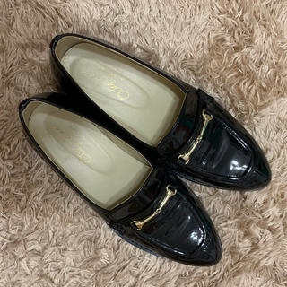 ダブルクローゼット(w closet)のエナメルローファーパンプス(ローファー/革靴)