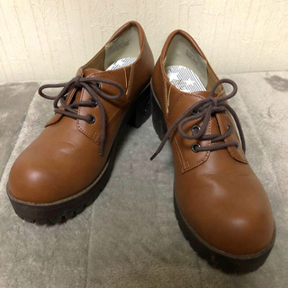 ヌォーボ(Nuovo)のNo.120 ガーリー系 ローファー ブラウン L(ローファー/革靴)