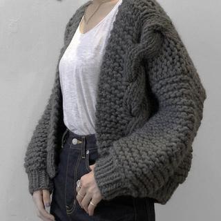 ミッドウエスト(MIDWEST)の i love mr. mittens  ボンバーニットジャケット 灰色(カーディガン)