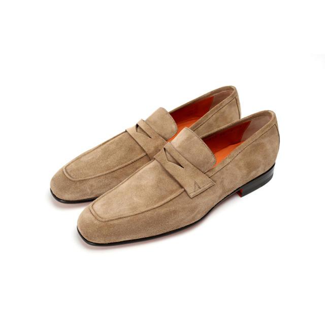 Santoni(サントーニ)の【新品未使用品】サントーニ スエードローファー ベージュ 7 専用箱入 レディースの靴/シューズ(ローファー/革靴)の商品写真
