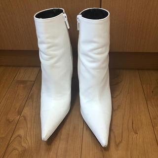 ディーホリック(dholic)のdholic ホワイトレザー風ブーツ☆22.5センチ(ブーツ)