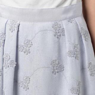 デビュードフィオレ(Debut de Fiore)のデビュードフィオレ*新品タグ付3D刺繍フラワースカート36(ひざ丈スカート)