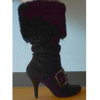ヌォーボ(Nuovo)の限界価格 NUOVO ベルト飾りつき ブーツ(ブーツ)