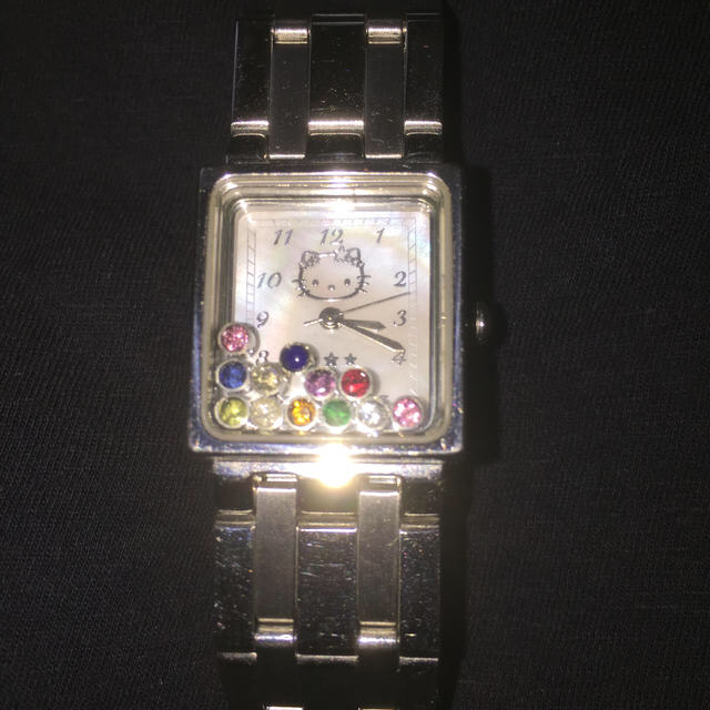 サンリオ - ❣️ハローキティ✨キラキラストーン12石✨レディース腕時計❣️サンリオの通販 by ミルクティー*|サンリオならラクマ