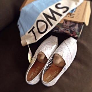 トムズ(TOMS)の【最終値下】TOMS♡シルバーグリッター(スニーカー)
