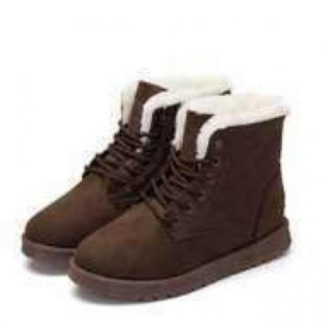■ブラウン 24.5cm スタイリッシュムートンブーツ もこもこ  軽量  レディースの靴/シューズ(ブーツ)の商品写真