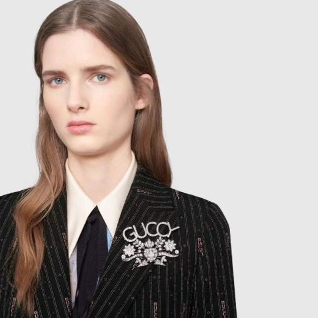 Gucci(グッチ)のGucci ブローチ 美品   レディースのアクセサリー(ブローチ/コサージュ)の商品写真