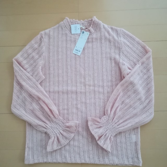 GU(ジーユー)の【新品タグ付き】GU  フリルネックT  2枚セット レディースのトップス(Tシャツ(長袖/七分))の商品写真