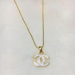 シャネル(CHANEL)のシャネル ホワイト&ゴールド ネックレス ノベルティ(ネックレス)