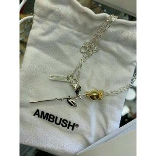 アンブッシュ(AMBUSH)のAMBUSH アンブッシュ ローズチャーム ネックレス(ネックレス)